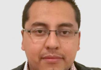 Guillermo Valenzuela, técnico certificado Yale en instalación de cerraduras digitales, CCTV e intercomunicadores en Guatemala.