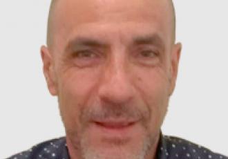 Carlos Noriega, técnico certificado Yale en instalación de cerraduras digitales, CCTV e intercomunicadores en Guatemala.