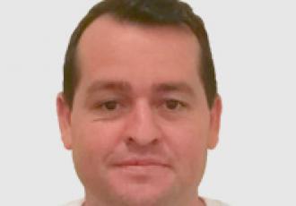 Jose Davila, técnico certificado Yale en instalación de cerraduras digitales, CCTV e intercomunicadores en Guatemala.