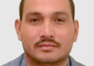 Ever Barrientos, técnico certificado Yale en instalación de cerraduras digitales, CCTV e intercomunicadores en Guatemala.